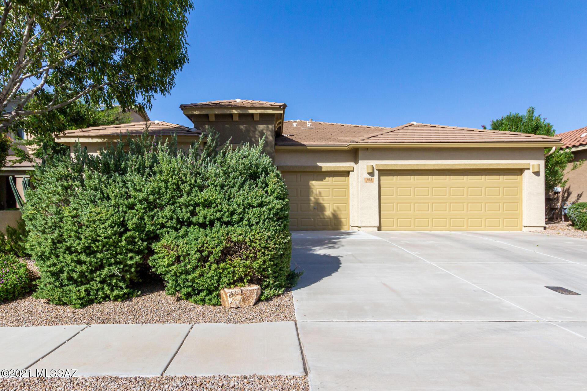 913 E Empire Canyon Lane, Sahuarita, AZ 85629