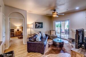 2550 E River Road, 14202, Tucson, AZ 85718