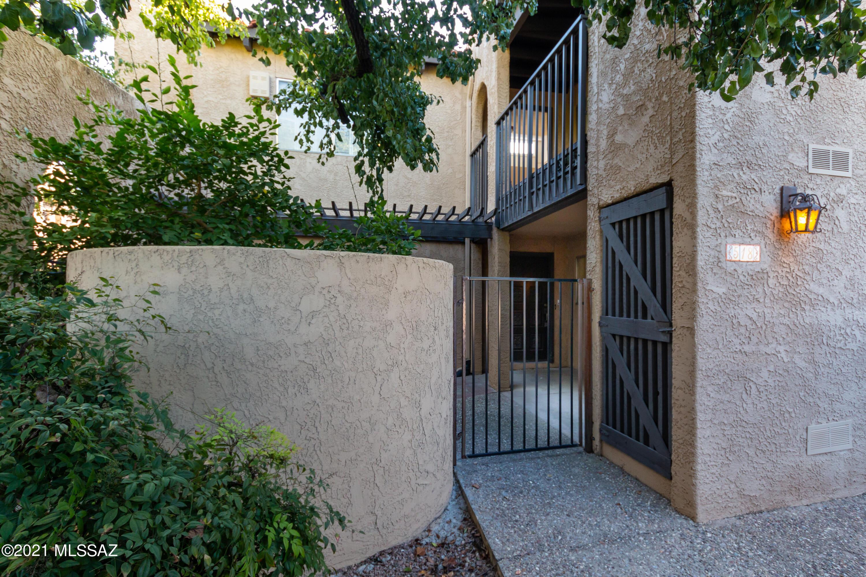 518 N Dodge Boulevard, Tucson, AZ 85716
