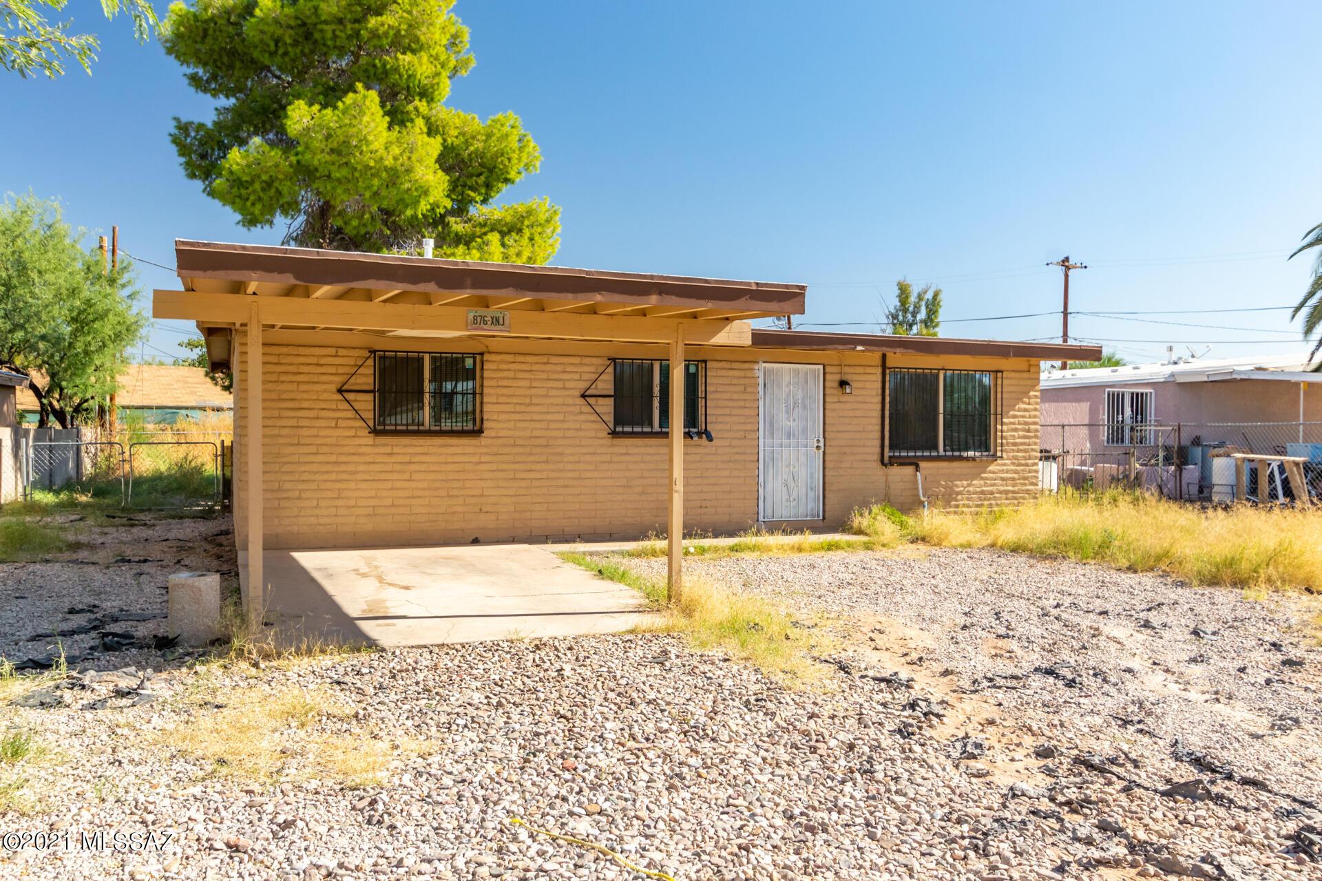 2711 E Menor Stravenue E, Tucson, AZ 85713