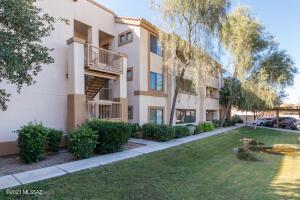 2550 E River Road, 13305, Tucson, AZ 85718