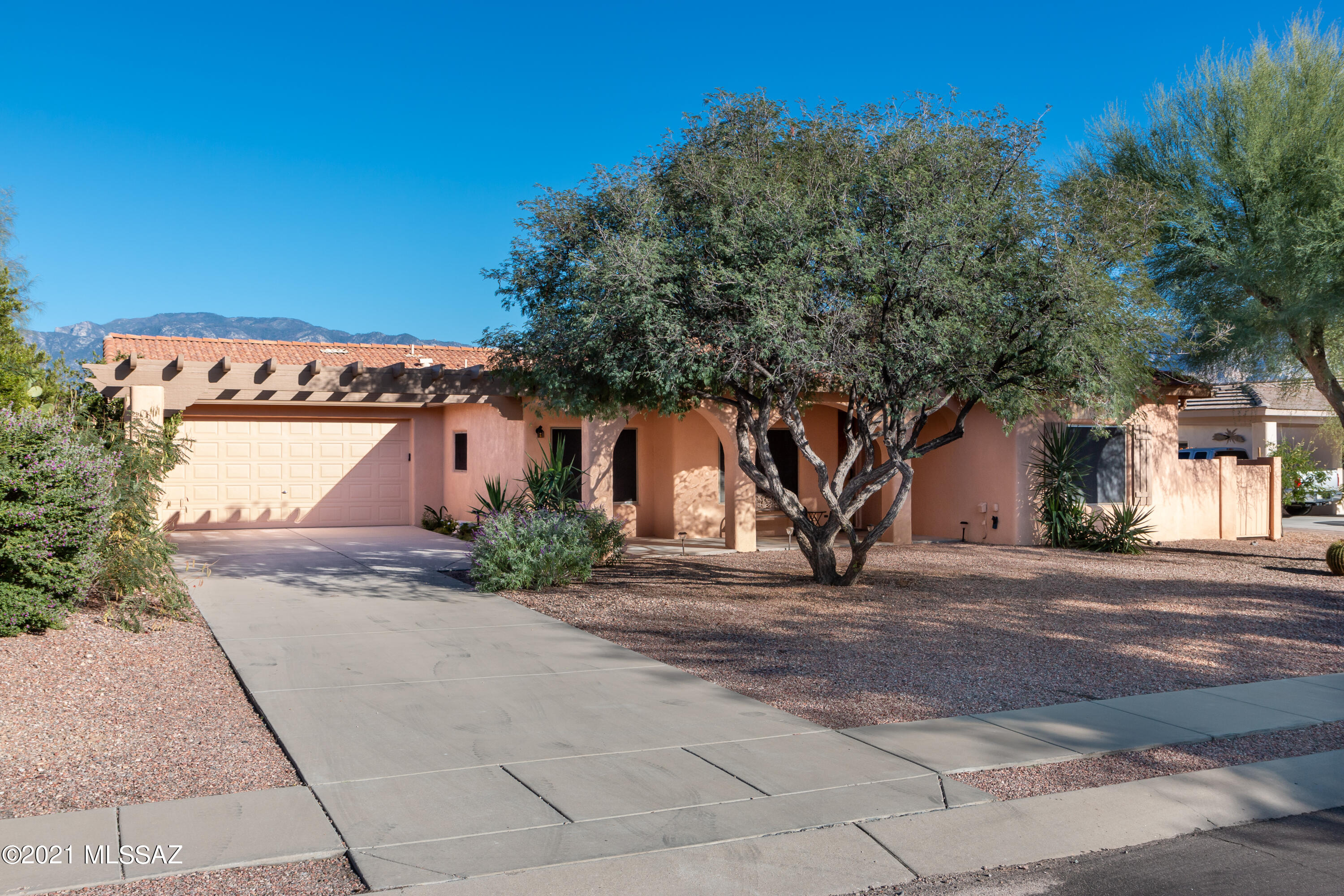 12946 N Eagleview Drive, Oro Valley, AZ 85755