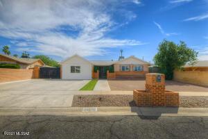 6442 E Calle Pegaso, Tucson, AZ 85710