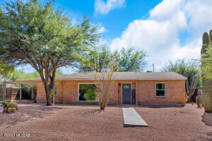 Mid-Century Brick Home in Great Central Community.
