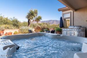 2347 E Cargondera Canyon Drive, Oro Valley, AZ 85755
