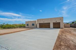 3320 E Shade Rock Place, Vail, AZ 85641