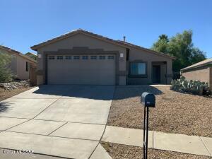 506 E Greg Rock Road, Vail, AZ 85641