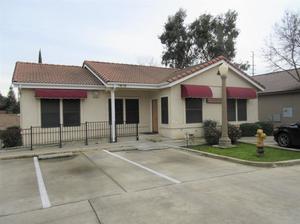 1918 S Court Street, Visalia, CA 93277