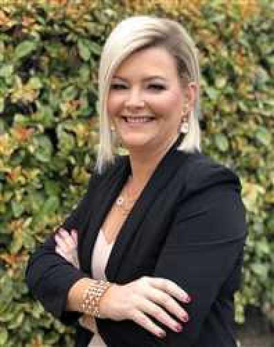 Patricia Button agent image