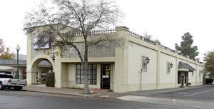 140 E Tulare Avenue, Tulare, CA 93274