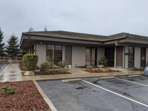 2340 W Whitendale Avenue, Visalia, CA 93277