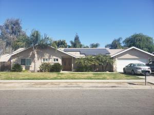 1304 E Chapman Avenue, Tulare, CA 93274