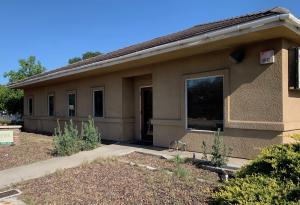 1516 W Mineral King Avenue, Visalia, CA 93291