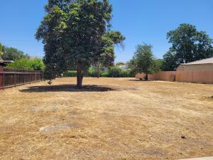 266 N Walnut Street, Woodlake, CA 93286