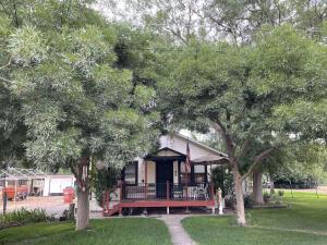 24001 Avenue 324, E, Woodlake, CA 93286