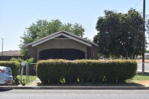 299 Pomegranate Street, Woodlake, CA 93286