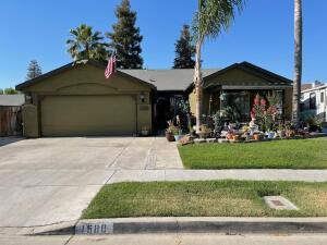 1580 Martinho Avenue, Tulare, CA 93274