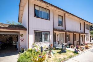 462 N Cherry Street, Tulare, CA 93274