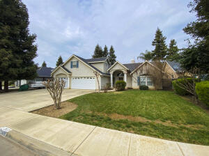 363 Old Line Avenue, Exeter, CA 93221