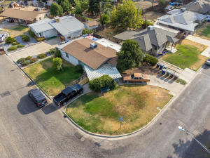 70 Olympic Court, Tulare, CA 93274