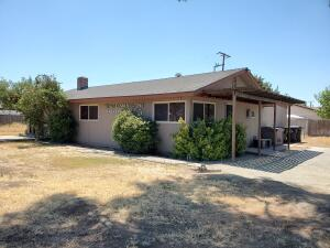 2831 W Caldwell Avenue, Visalia, CA 93277