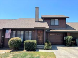 3511 S Oak View Drive, Visalia, CA 93277