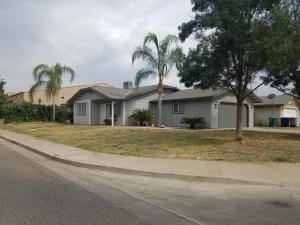 1418 Hartley Avenue, Farmersville, CA 93223