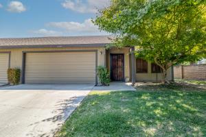 2336 E Tulare Avenue, Visalia, CA 93292
