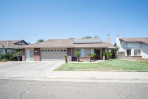 253 Red Oak Way, Porterville, CA 93257