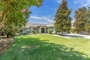 3825 E Feemster Avenue, Visalia, CA 93292