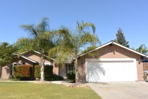 2323 S Peppertree Street, Visalia, CA 93277