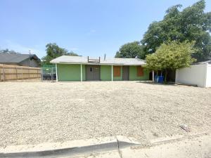 706 W Murray Avenue, Visalia, CA 93291