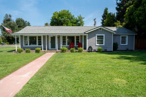 2412 E Westcott Avenue, Visalia, CA 93292