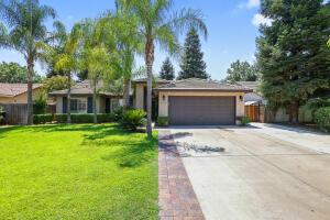 2615 W Buena Vista Avenue, Visalia, CA 93291