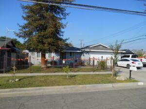 868 W Kern Avenue, Tulare, CA 93274