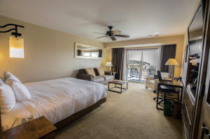 136 Country Club Drive Unit: 332, Mountain Village, CO 81435