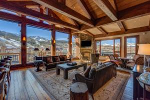 145 Sunny Ridge Place Unit: B402, Mountain Village, CO 81435