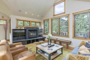 Property for sale at 832 Butcher Creek Drive, Telluride,  Colorado 81435