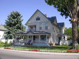 718 E Main Street Montrose CO 81401