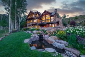 The wait is over. Enjoy a rare combination of privacy, multiple living areas, views, water, open space and close proximity to the historic town of Telluride and the consistently ranked top 10 ski area in North America!