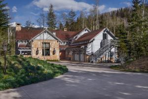 465 / 475 Benchmark Drive Mountain Village CO 81435