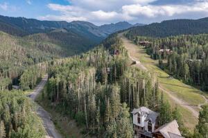 Fabulous location on Lower Sundance ski run