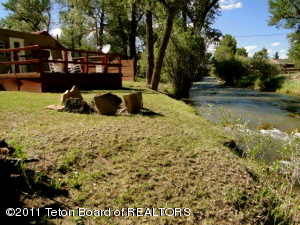 The Tie Hack Cabin & Tin House Vacation Rentals on Horse Creek