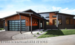 592 AIRPORT DR, Alpine, WY 83128
