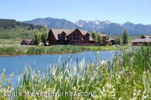 250 WILLOW LAKE DR, Alpine, WY 83128