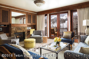 7680 GRANITE LOOP RD, 751, Teton Village, WY 83025