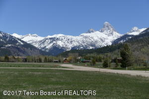 45 ALTAMONT RD, Alta, WY 83414