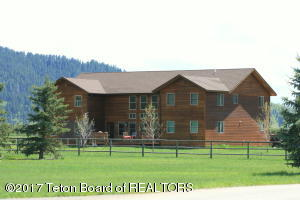 975 ALPINE VILLAGE LOOP, Alpine, WY 83128