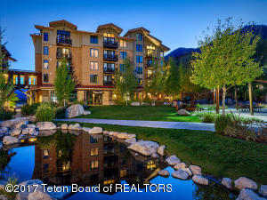 3325 W VILLAGE DR, 462, Teton Village, WY 83025