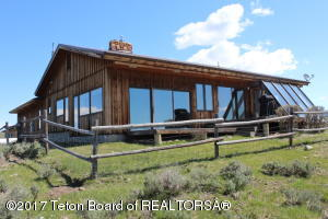 99 LONE PINE RD, Cora, WY 82925